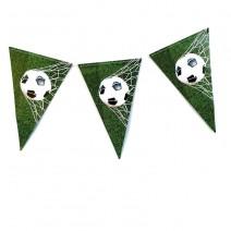 שרשרת דגלים כדורגל במגרש